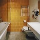 Kurshi Hotel bathroom